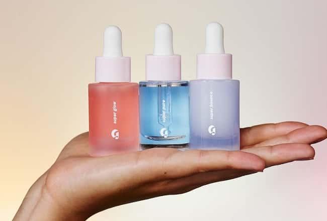 Sử dụng serum/thuốc/kem đặc trị