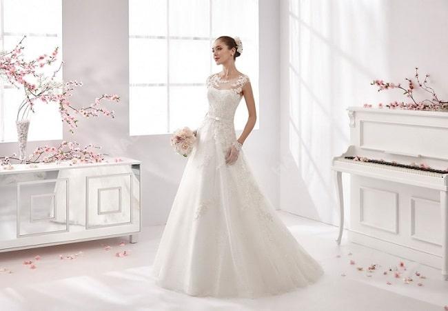 Áo cưới Lê Huy là Top 10 Địa chỉ cho thuê váy cưới đẹp nhất TPHCM